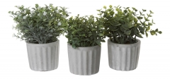 Набор из трех искусственных зеленых растений